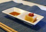ウニ豆腐、ドライフルーツトマトをアクセントに