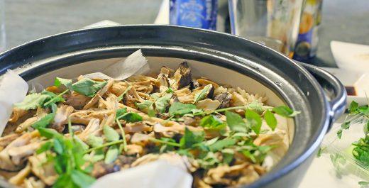 松茸と数種のキノコの炊き込みご飯
