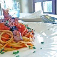 蛍烏賊と春菊のトマトソースのスパゲッティ