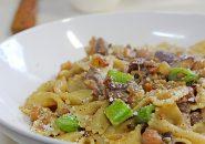 色々な豆を柔らかく煮込んだファルファッレ