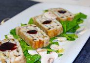 穴子のテリーヌ フレッシュマッシュルームとホウレン草のサラダ